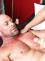 Muscular dads fuck skinny twinks and boys anal insertion at Bang Me Sugar Daddy