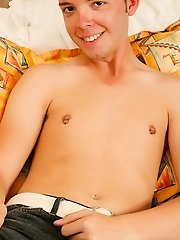 Scott came in from league and was tired, restless and horny first time gay pics