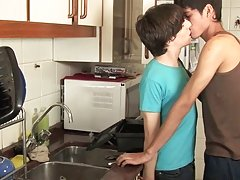 Twinks fucking at a kitchen very well