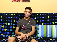 Teen twink toying pic and twinks in pull up underwear at Boy Crush!