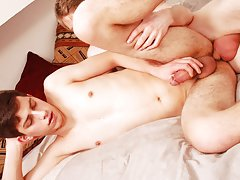 Teen sleeping boys twink sex and young twinks fool around in locker room at Staxus