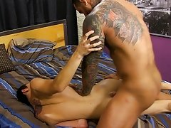 Jacobey London was aching for a hard pounding and Brazilian muscle fellow Alexsander Freitas knows a thing or two about power fucking gay anal sex vid