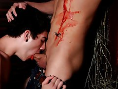 He wastes no time plunging his fangs into the boyz neck, devouring his blood with darksome intensity gay twinks first time - Gay Twinks Vampires Saga!