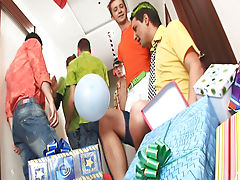 Male masturbation newsgroups and male group masturbation at Crazy Party Boys