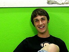 Skinny twink big feet and naked men shaved at Boy Crush!