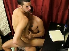 After getting his own wang sucked, Jake straddles Preston and sits on his cock