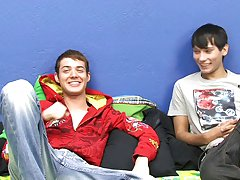 Cute boys videos free and emo gay pornography at Boy Crush!