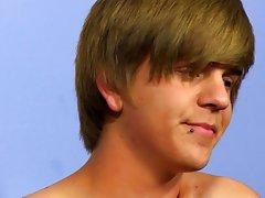 Bareback gay and gay bareback sex at Boy Crush!