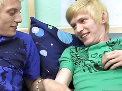 Twink call boy and man and t shirt and underwear twink pics at Boy Crush!