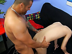 Alexsander Freitas doesn't hold back when he receives his hands on the delicate young Kyler Moss gay guys fucking hardcore at Bang Me Sugar Daddy