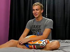 Twink pose nude and men breeding twinks at Boy Crush!