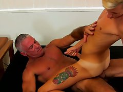 Wood boy penis picture and gay blowjob ends with cum at Bang Me Sugar Daddy