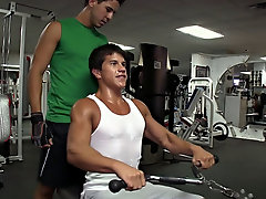 Joey's at it again, we decided to head out to the gym for a little workout ass
