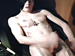 Hot emo guy Josh Osbourne jerks off on his bedroom floor, showing off his sexy body, big jock and epic tattoos young boys nude videos - rocker boy fri