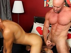Blade is more than blessed to share his lad dick and taut fuckhole with the giant stud too, railing that daddy stiffy and taking a squirting over his