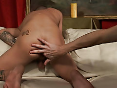 he wants to disgrace a accommodate some cock too gay bareback bodybuilders