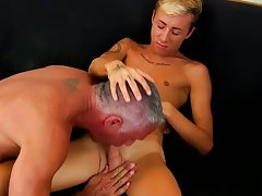 Guy fucking ass objects moaning at Bang Me Sugar Daddy