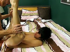 Young sexy gay guy plays with his anal vids and boy got fucked by men at Bang Me Sugar Daddy