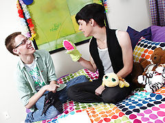 Taylor Lee and Jae Landen are two college aged twinks guys gay sex first time