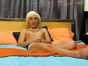 He can, however, definitely get it up for this solo free solo amateur gay twin at Boy Crush!